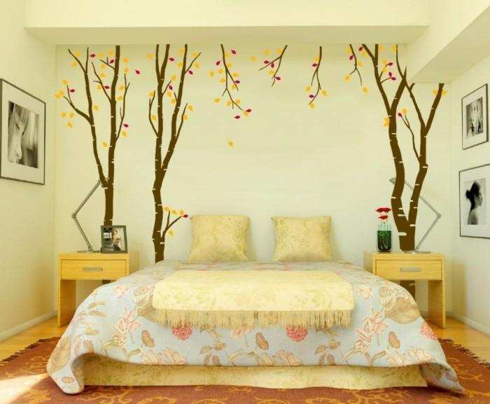 8.idée-de-déco-chambre-adulte-nuances-douces-belle-déco-murale-photos-paysage-automnal-lit-énorme
