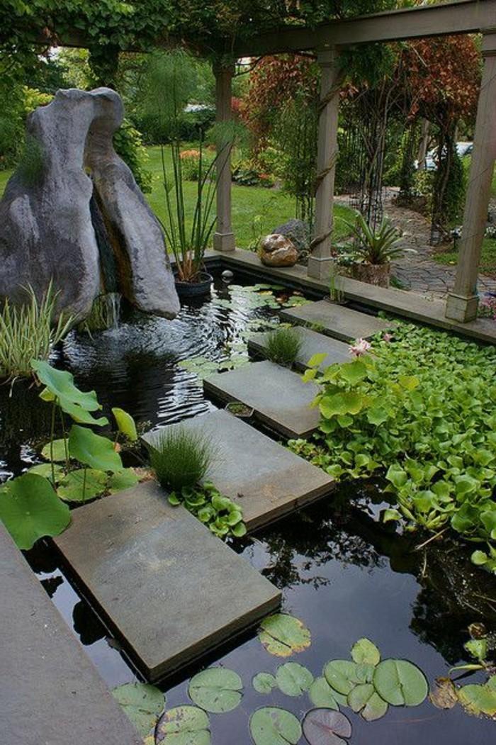 88-Statue jardin en gris
