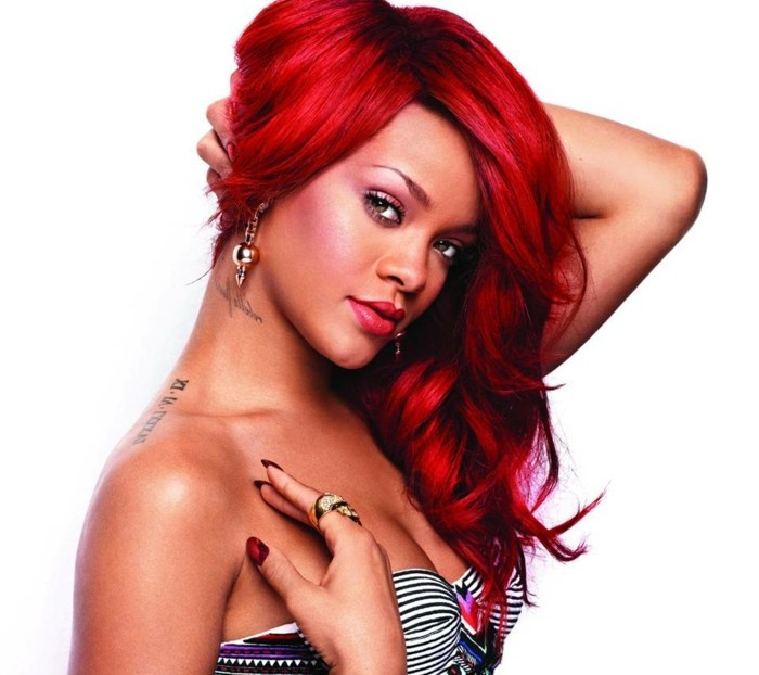 Rihanna-rouge-california-couleurs-de-cheveux-rouge-voir-comment