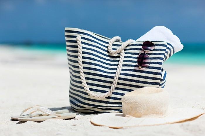 accessoire-plage-sac-de-plage-tendance-été-classique-bleu-et-blanc