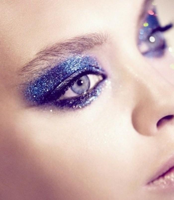 belle-idée-pour-le-maquillage-nouvel-an-cool-yeux-bleus