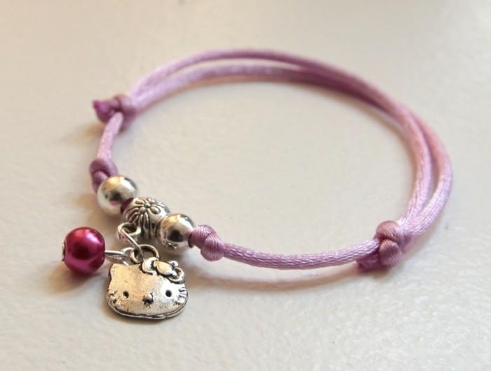 bijou-enfant-Hello-Kitty-perle-fuchsia-alittlemarket-com-resized