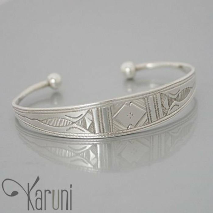 bijou-enfant-touareg-ethnique-pour-les-tout-petits-Karuni-resized
