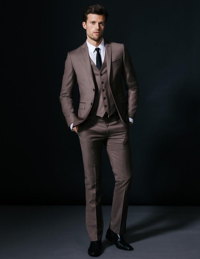 brice-costume-brune-élégant