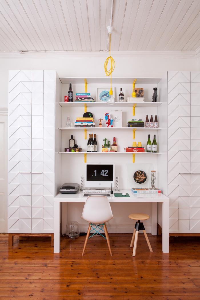 bureau-design-bureau-blanc-avec-étagère