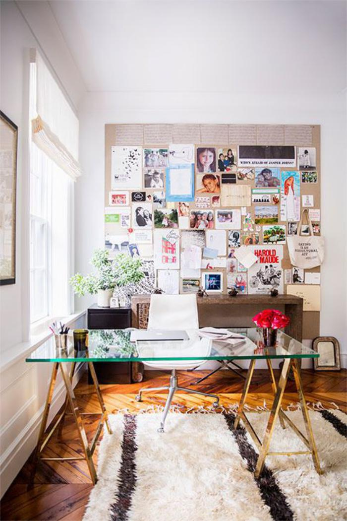 bureau-design-métal-et-verre-tapis-berbère-table-console