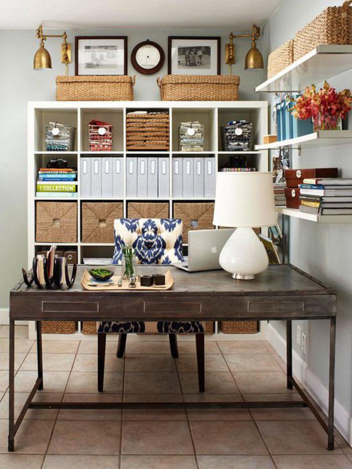 bureau-design-métallique-étagère-petit-office-à-la-maison