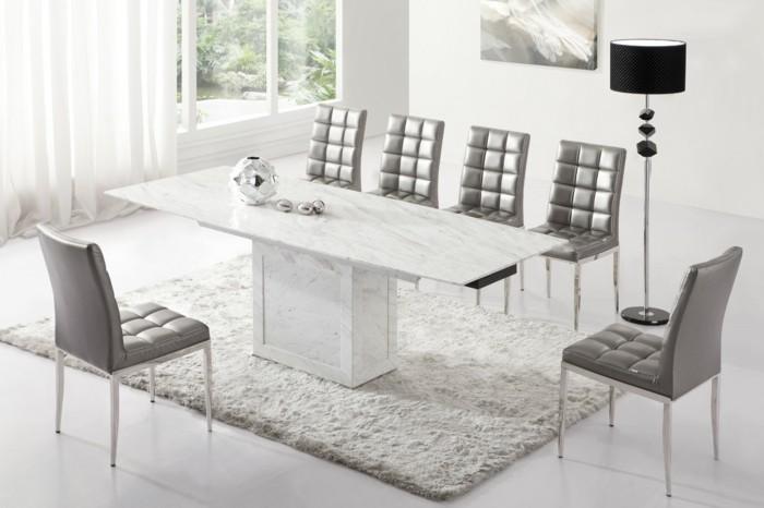 carrelage-brillant-pour-une-salle-a-manger-avec-une-table-oblongue-resized