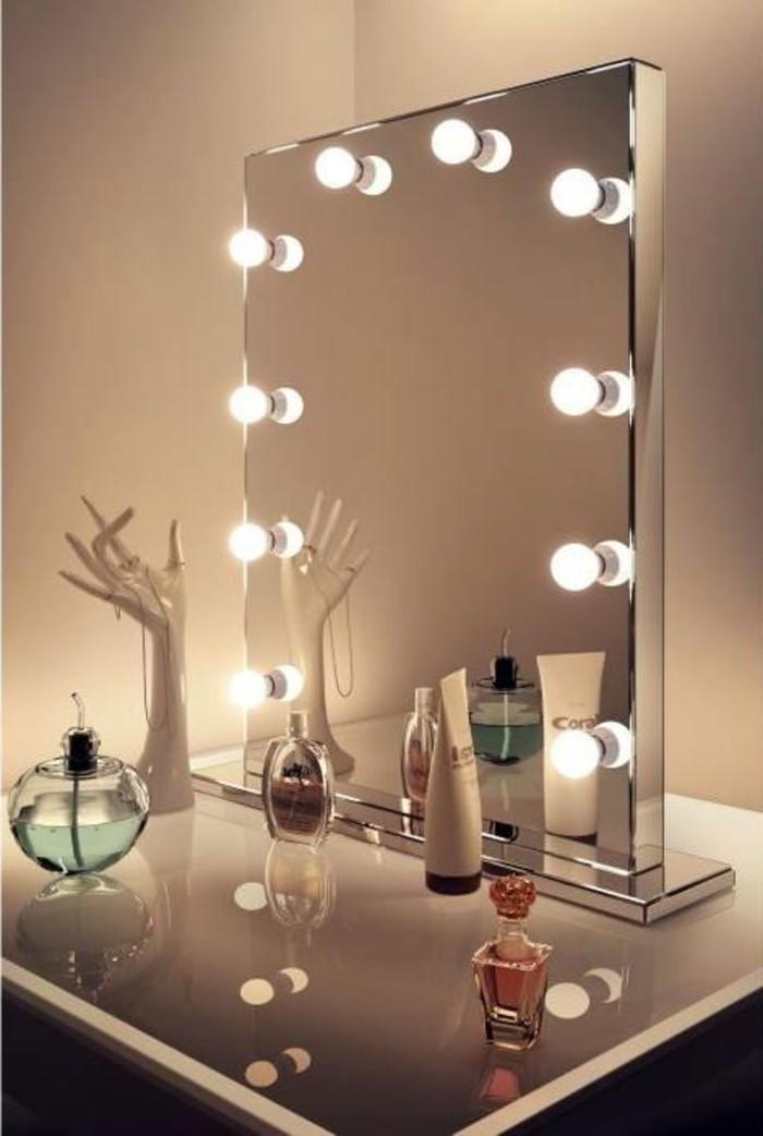 cdiscount-miroir-avec-ampoules-autour-idees-miroir-salle-de-bain-neon-salle-de-bain