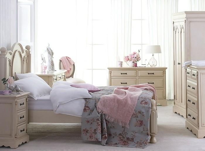 chambre-vintage-adulte-déco-chambre-pas cher-meubles-en-bois-jolis-rideaux-blancs