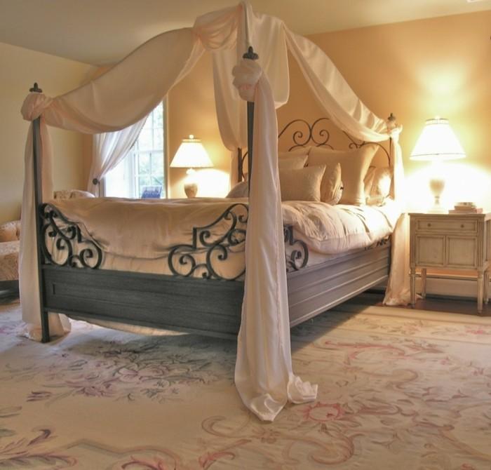 chambre-vintage-déco-chambre-vintage-déco-chambre-adulte-zen-lampe-de-chevet-gros-lit-à-baldquin