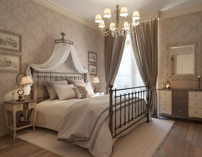 chambre-vintage-déco-chambre-vintage-idée-papier-peint-chambre-adult-lit-fer-forgé-jolie-table-de-nuit-vintage-beau-lustre
