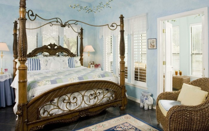 chambre-vintage-déco-chambre-vintage-lit-à-baldaquin-idée-peinture-chambre-adulte-fauteuil-en-rotin-déco-orientale-lampe-de-chevet-vintage