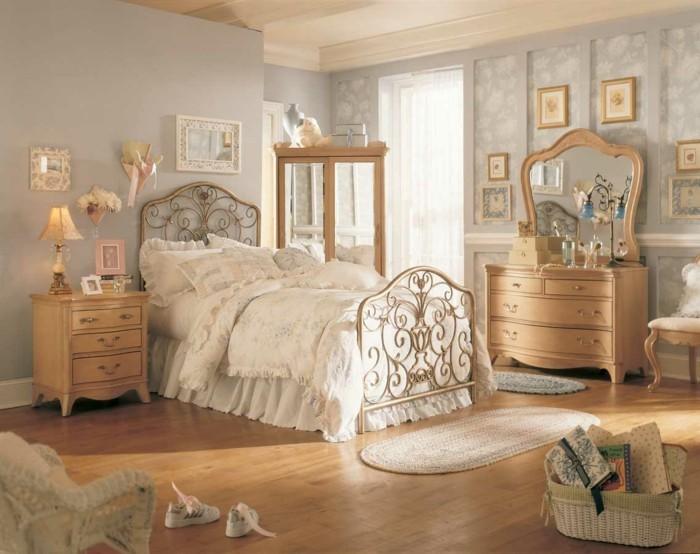 chambre-vintage-déco-chambre-vintage-lit beau design-vintage-coiffeuse-en-bois-armoire