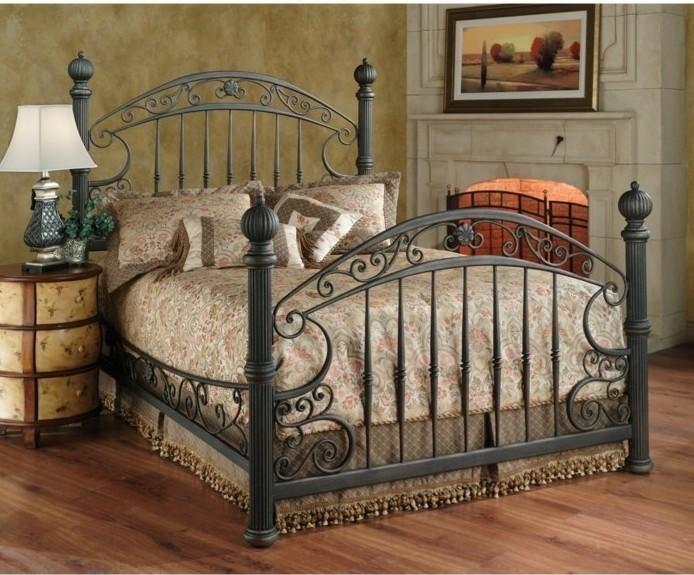 chambre-vintage-déco-chambre-vintage-lit-fer-forgé-lampe-de-chevet-vintage