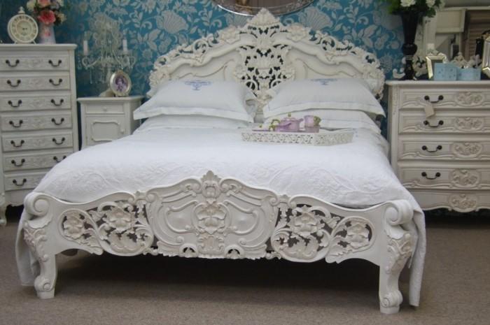 chambre-vintage-déco-chambre-vintage-rococo-idée-papier-peint-chambrr-adulte-commode-blanc-beau-lit-en-blanc