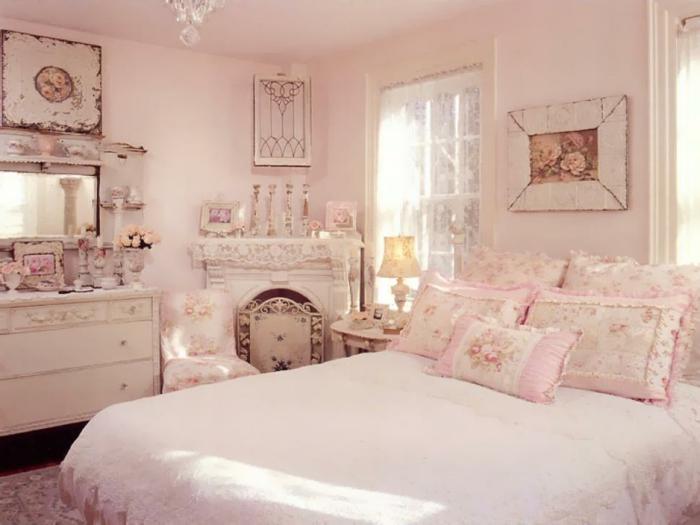 chambre-vintage-en-rose-jolie-déco-chambre-vintage-style-glamour-idée-chambre-vintage-femme