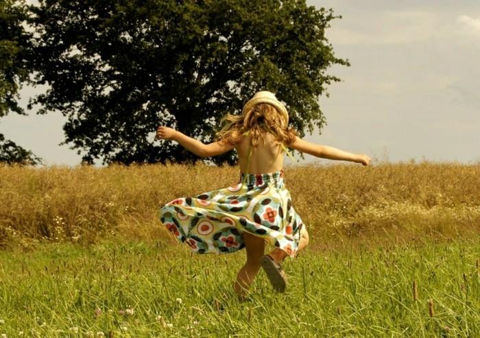 chapeau-de-paille-pour-dancer-en-toute-liberte-sous-le-soleil-resized