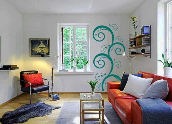 charmante-idée-déco-petit-salon-sofa-rouge-étagère-murale-petite-table-en-verre-élément-déco-murale-très-original