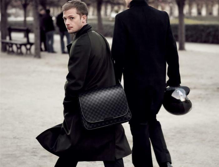 chouette-sac-homme-moderne-sacoche-lacoste-style-en-noir