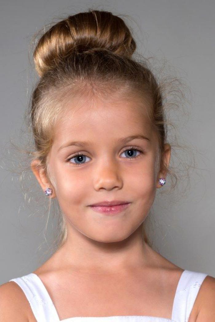coiffures-pour-enfants-chignon-jeune-fille