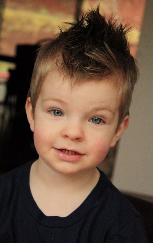coiffures-pour-enfants-coiffure-garçon-moderne