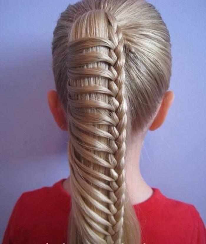 coiffures-pour-enfants-coiffure-originale-pour-fille-ponytail-avec-tresse