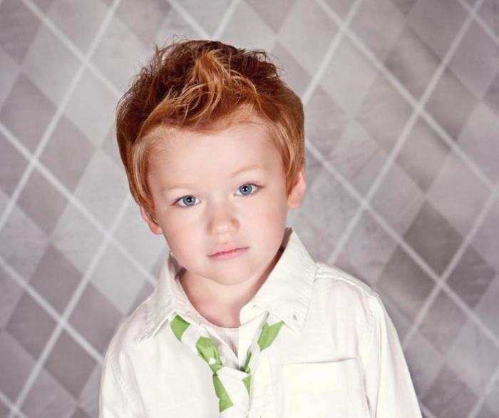 coiffures-pour-enfants-coupe-garçon-coiffure-stylisée