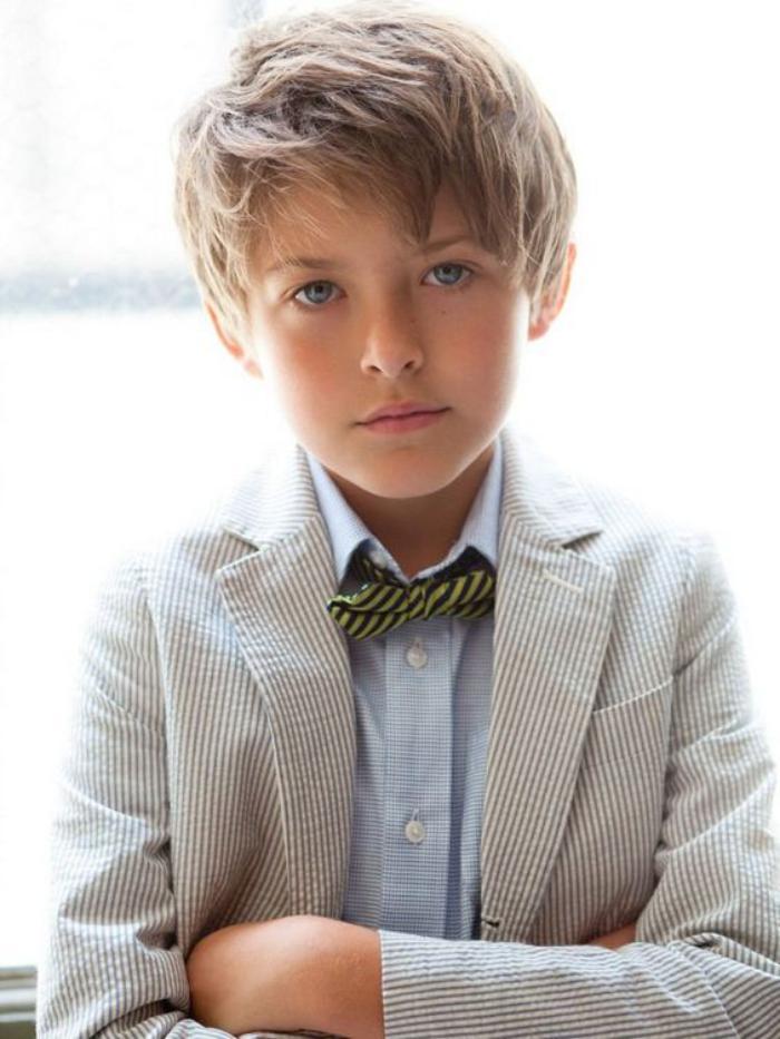 Les coiffures pour enfants tendance en 57 photos for Comcoiffure garcon enfant