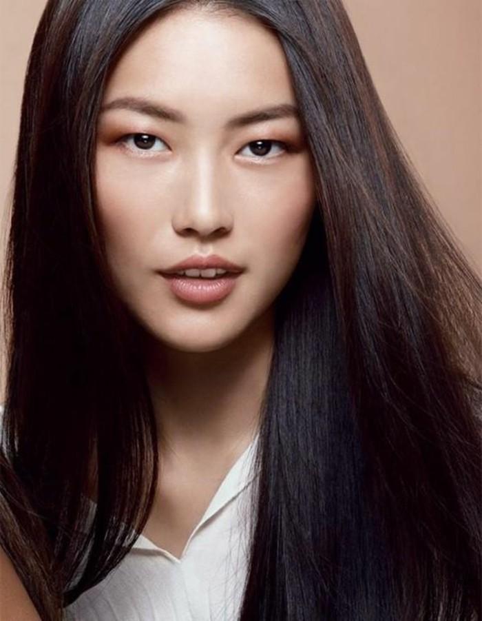 comment-bien-maquiller-ses-yeux-bridés-cheveux-chatin-couleur-marron-idee-couleur-de-cheveuc
