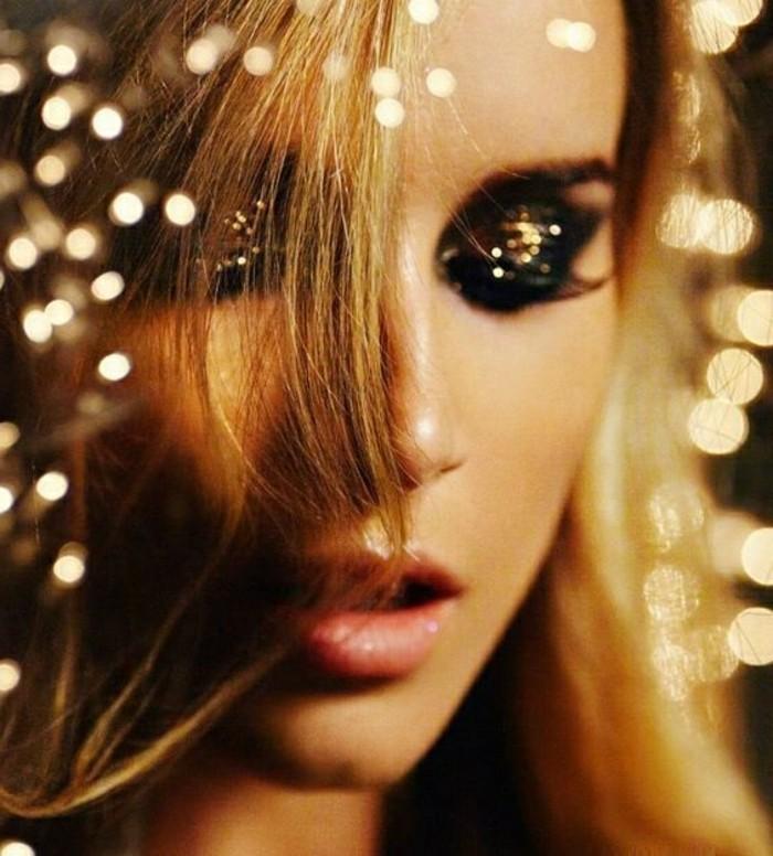 comment-se-maquiller-pour-une-soirée-nouvel-an-belle-femme-blonde