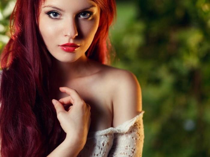 couleur-de-cheveux-rouge-foncé-cool-red-hot-plus-clair