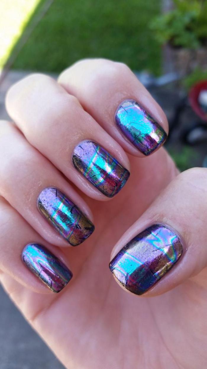 déco-nail-art-décoration-pour-ongles-nails-holographiques