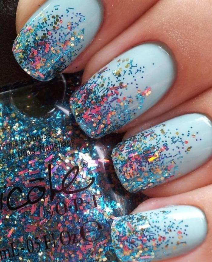 déco-nail-art-deco-ongles-avec-glitter-holographique