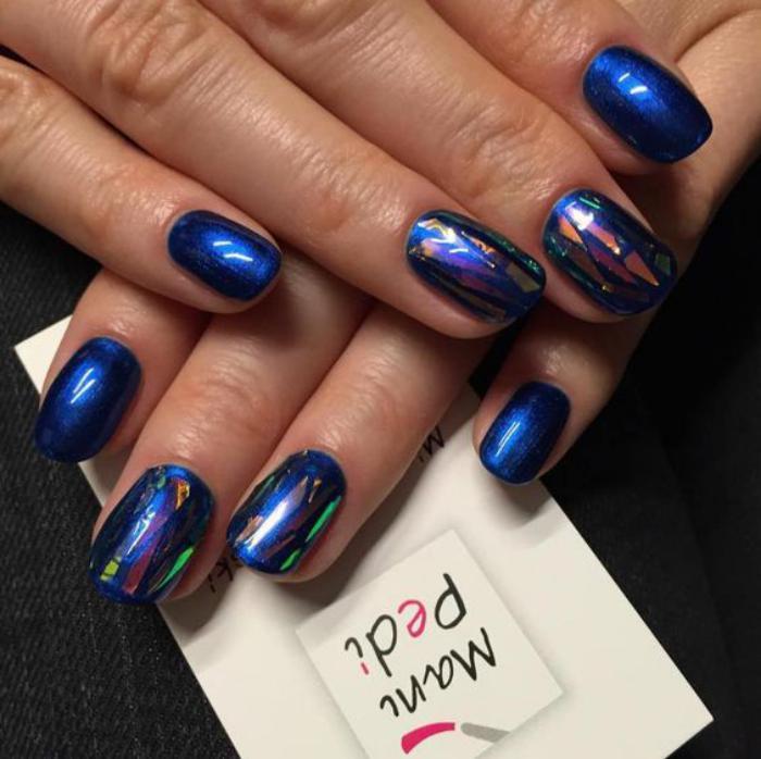 déco-nail-art-deco-pour-ongles-avec-feuille-à-ongles-brillant