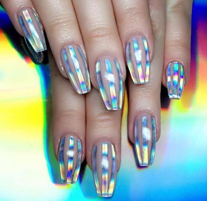 déco-nail-art-idée-déco-ongles-avec-foils