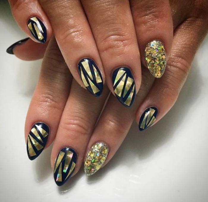 déco-nail-art-manucure-holographique-ongles-pointus