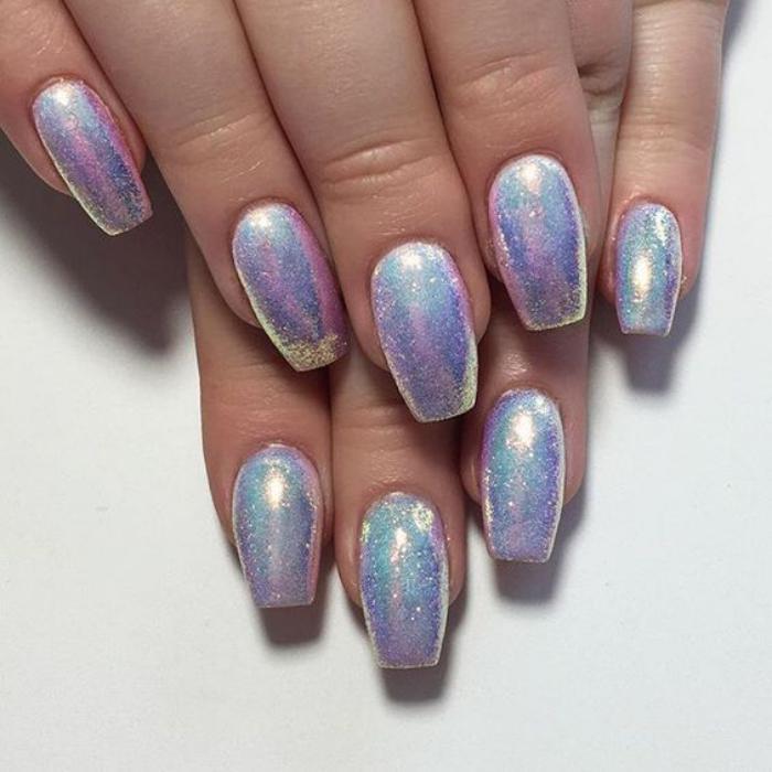 déco-nail-art-superbe-tendance-ongles-holographiques