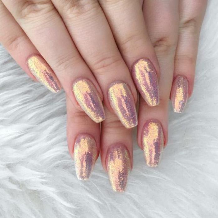 déco-nail-art-trendy-vernis-brillant-pour-ongles