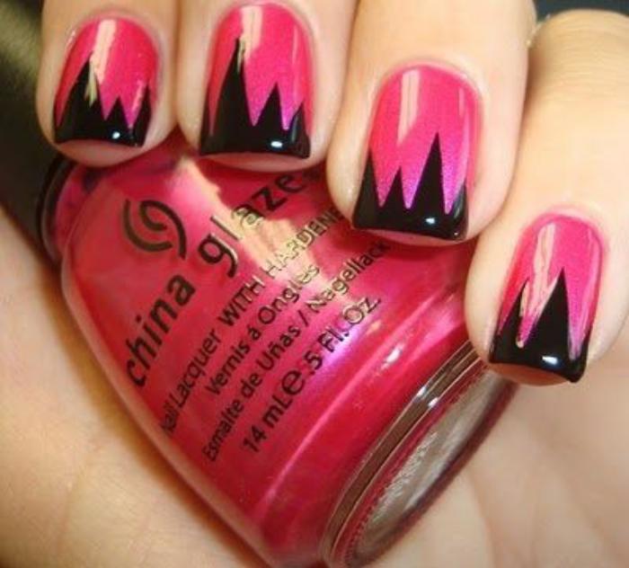 déco-ongles-bandes-de-scotch-rose-et-noir