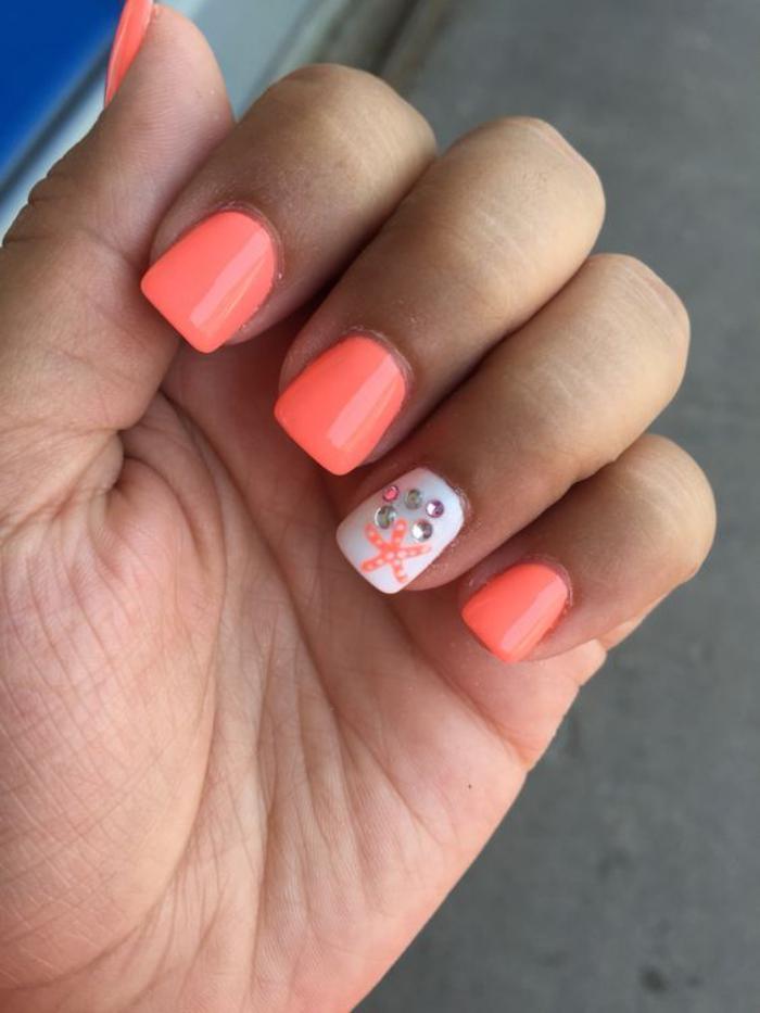 déco-ongles-motifs-d'été-en-couleurs-tendance