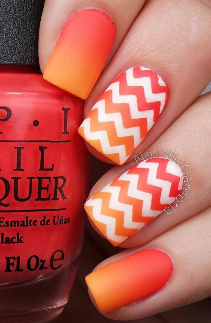 déco-ongles-nail-art-chevron-orange-et-blanc