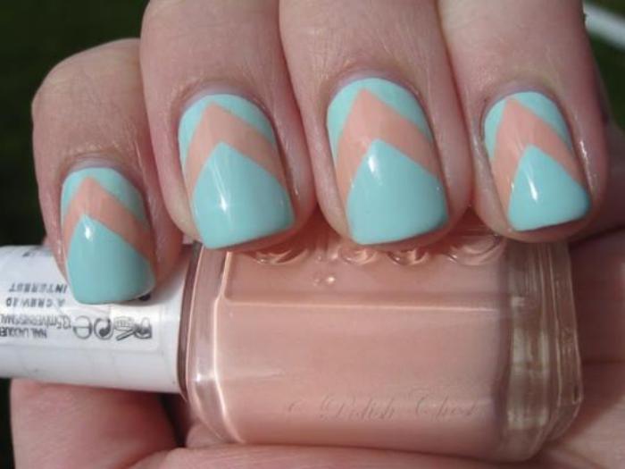 déco-ongles-nail-art-facile-en-nude-et-bleu