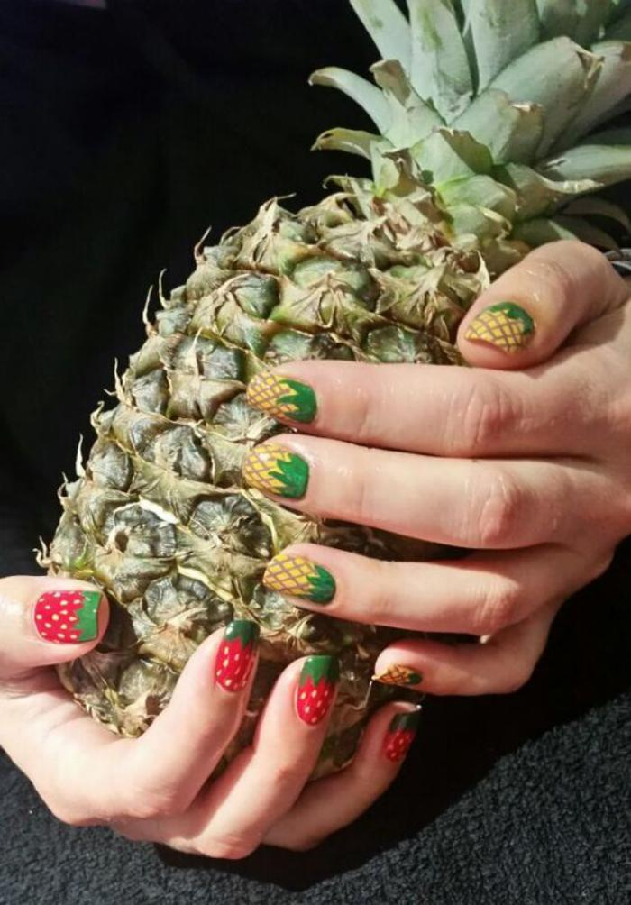 déco-ongles-originale-avec-dessins-de-fruits