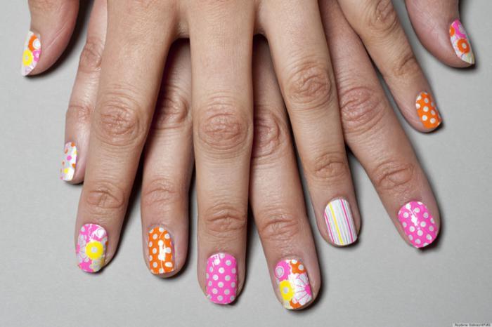déco-ongles-originale-décorer-ses-ongles-avec-stickers