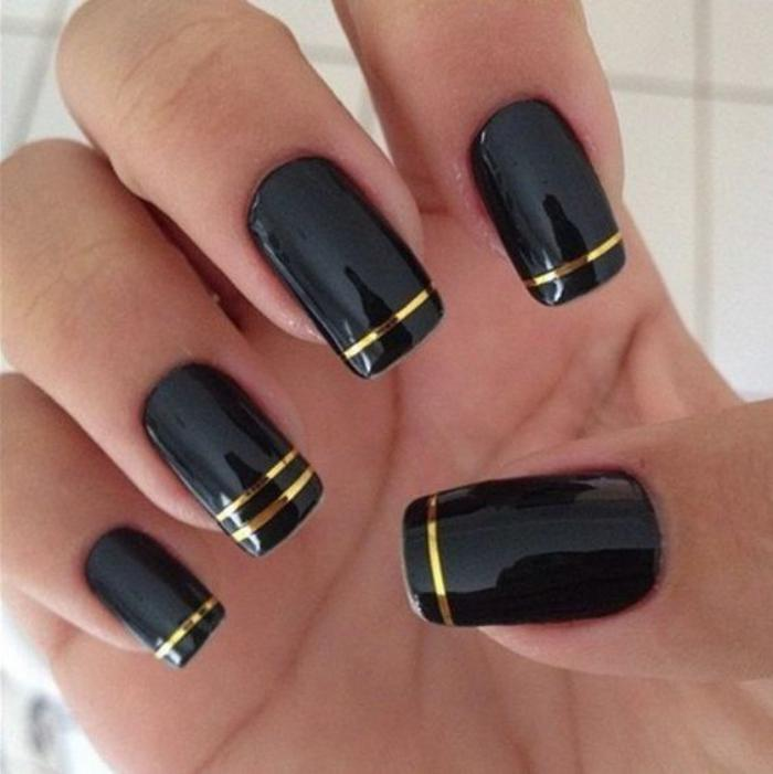 déco-ongles-originale-manucure-élégante-stickers-lignes-adhésives