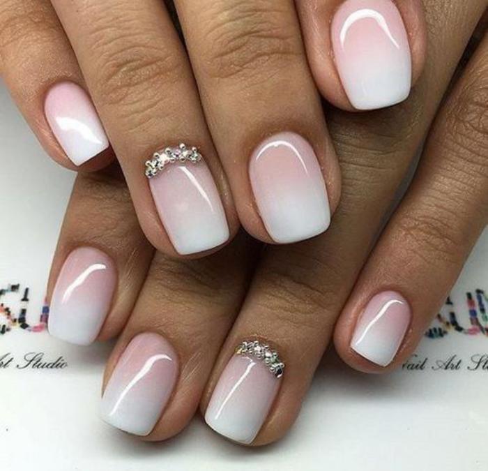 déco-ongles-originale-stickers-bijoux-nail-art
