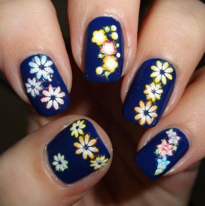 déco-ongles-originale-stickers-ongles-fleurs