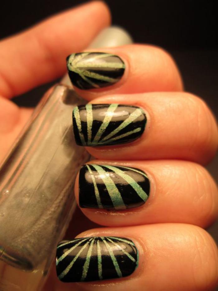 déco-ongles-striping-tape-réaliser-une-manucure-parfaite