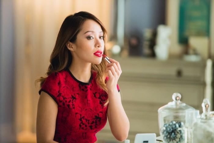 délicat-maquillage-pour-les-fetes-make-up-soiree-célèbrer
